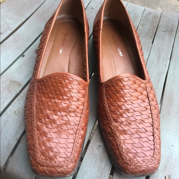 6f31c8fe3b7a Women s Naturalizer Brown Leather Woven Loafers 9M.  M 5af9ed959a94558356a01a8f